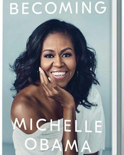 Michelle Obama: dietro al suo libro e alle sue magliette la strategia per la presidenza!